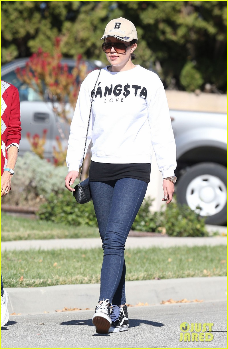 amanda bynes steps out with parents after rehab 21