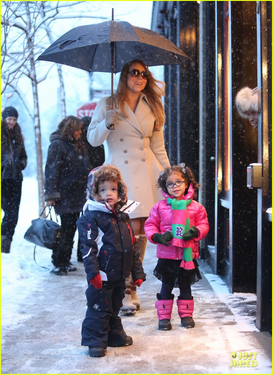 mariah carey snowy aspen shopping with the twins 10