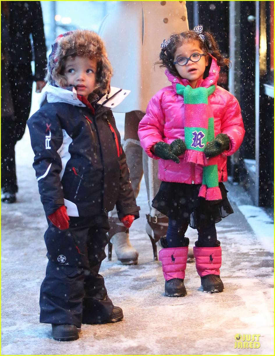 mariah carey snowy aspen shopping with the twins 15