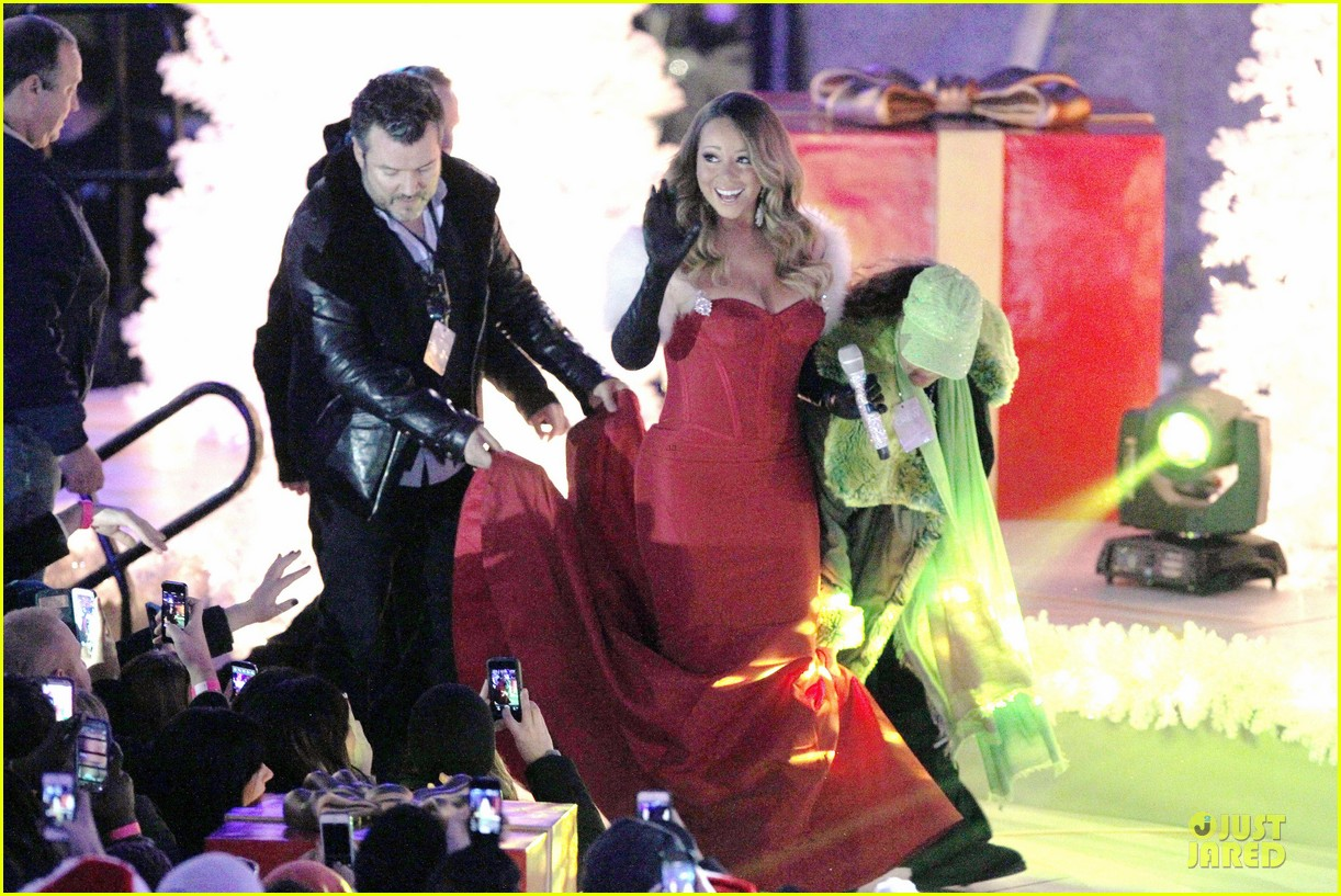 mariah carey rockfeller center christmas tree lighting 2013 performer 113004634
