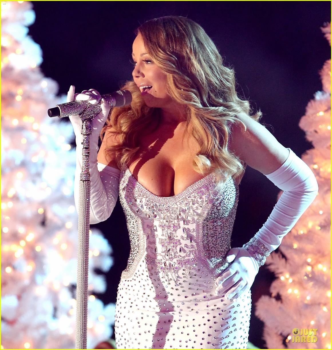 mariah carey rockfeller center christmas tree lighting 2013 performer 27