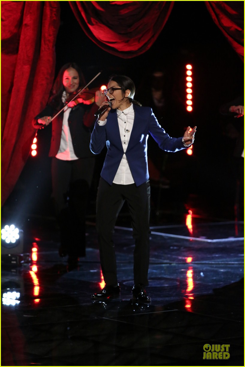 michelle chamuel go down singing debut on the voice 013009493