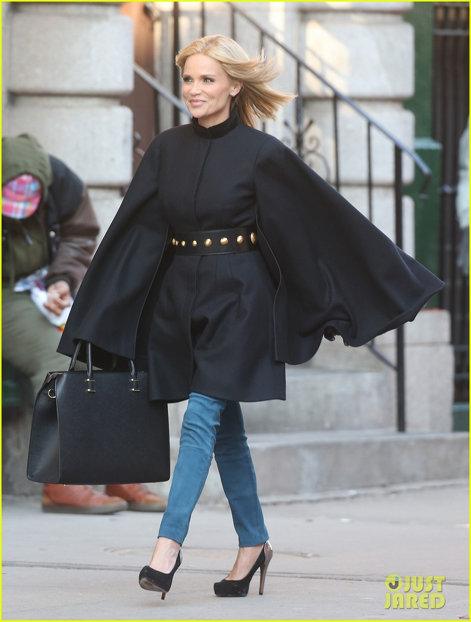 kristin chenoweth makes fashion statement at photo shoot 01