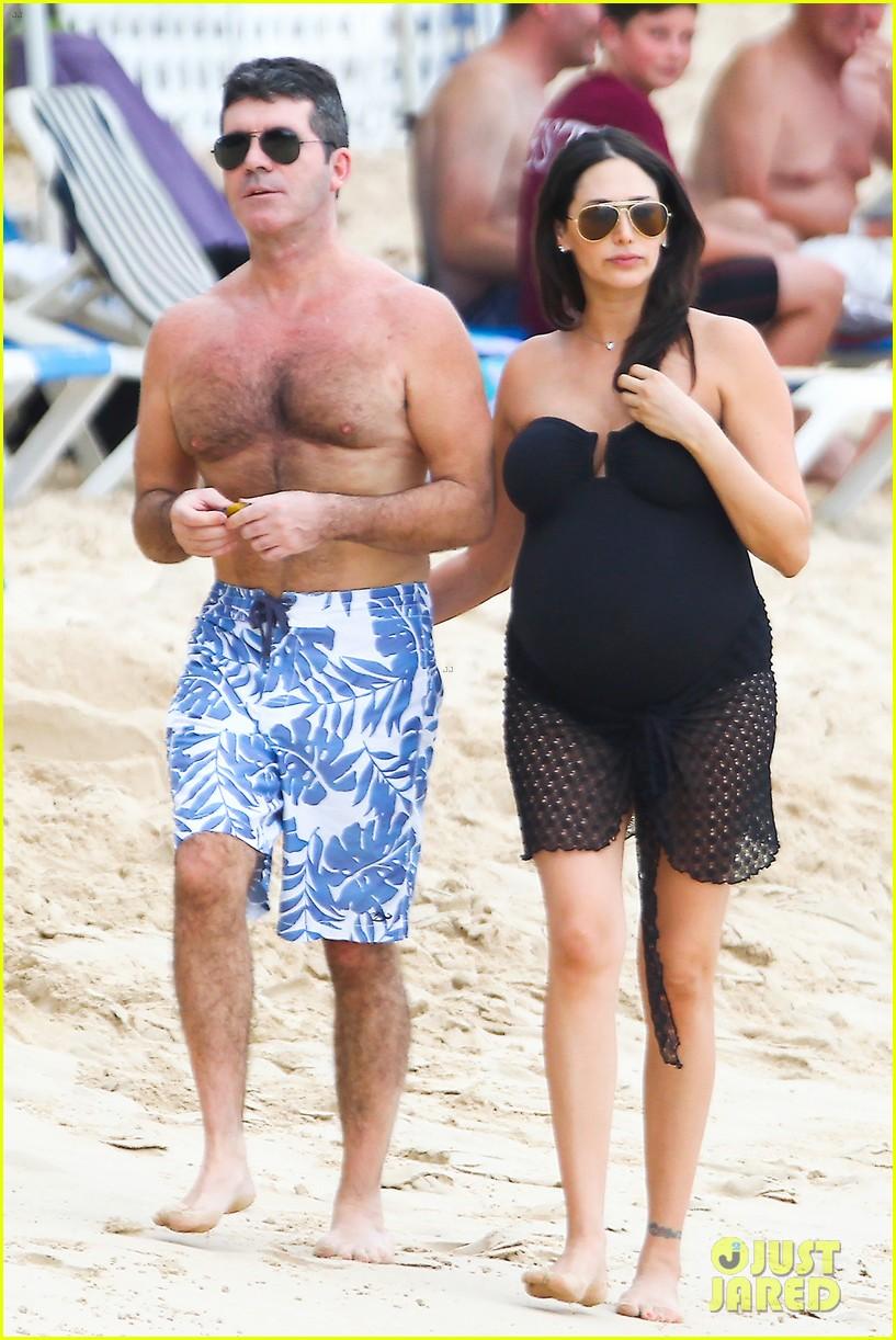 Full Sized Photo of simon cowell shirtless beach stroll ...