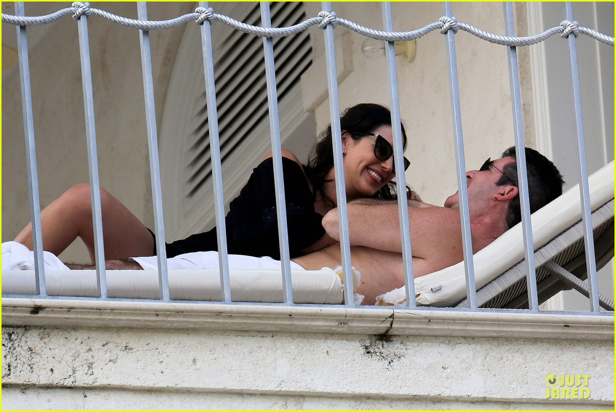 simon cowell lauren silverman kissing cuddling pair 08