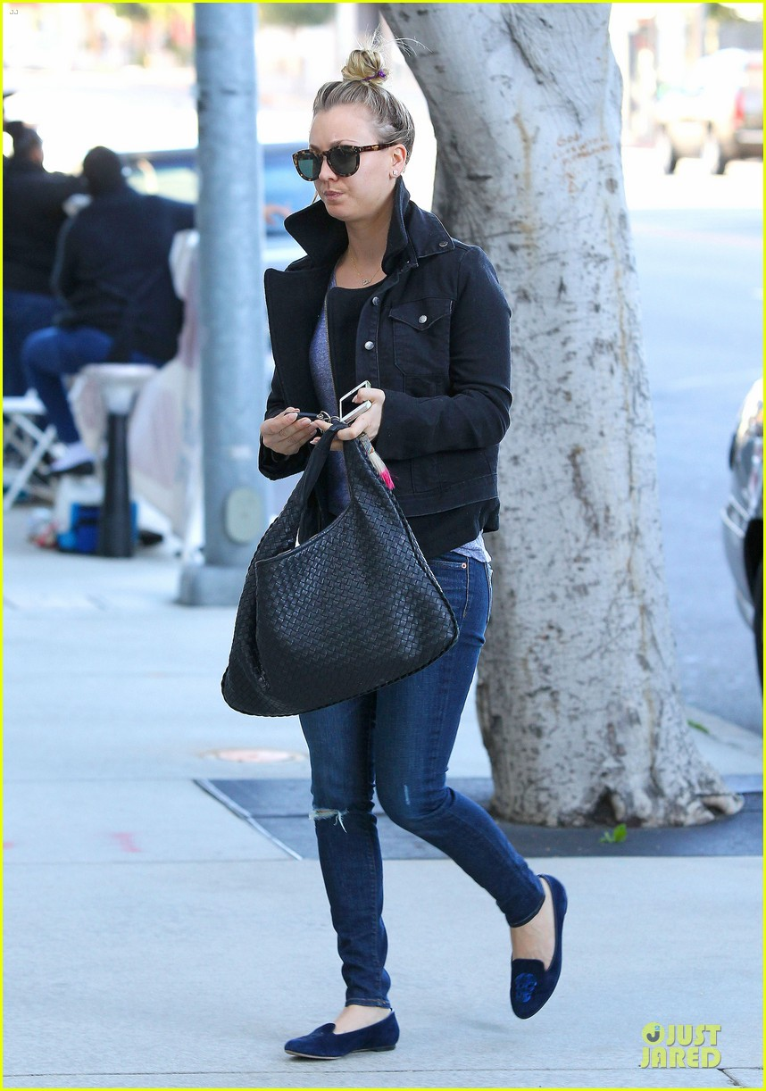 kaley cuoco hair appointment before the new year 09