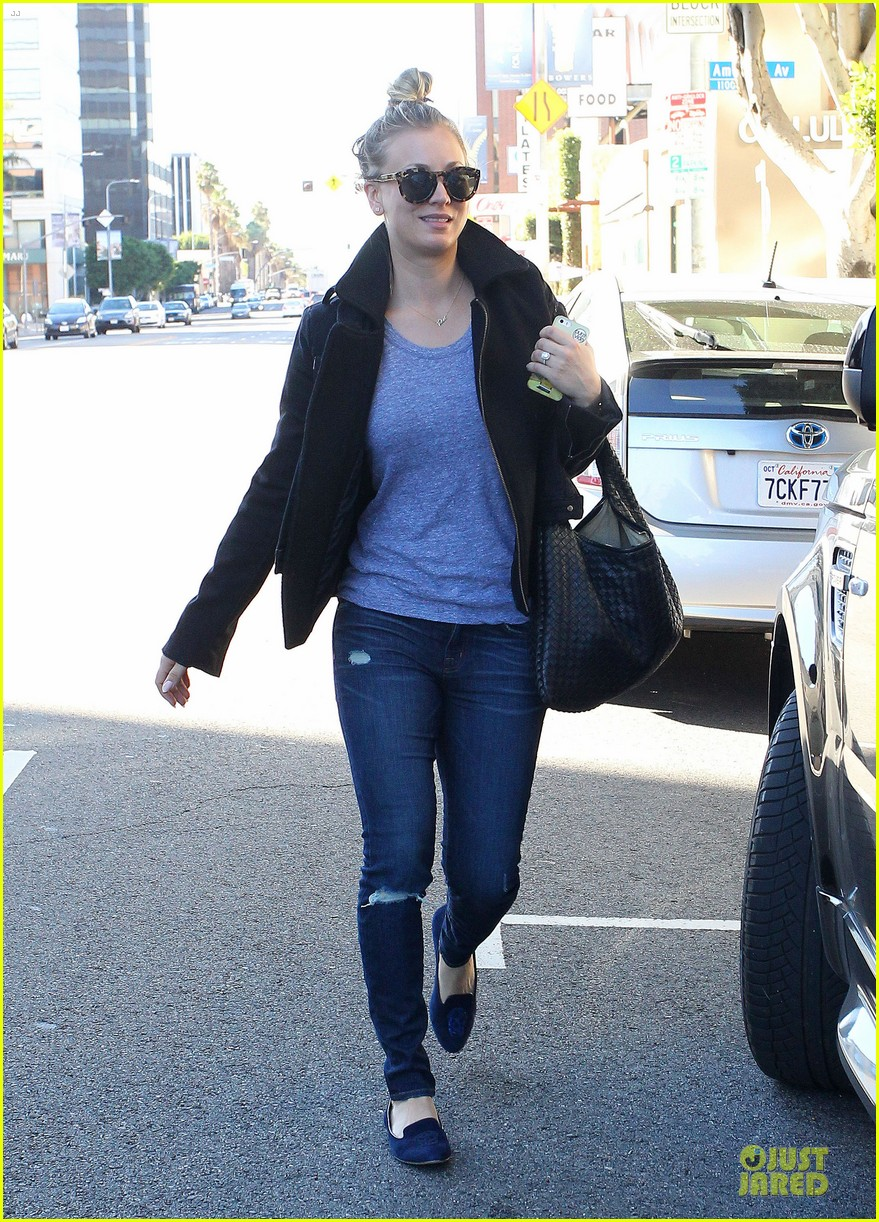 kaley cuoco hair appointment before the new year 17