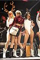 miley cyrus twerks on santa claus at kiis fm jingle ball 2013 10