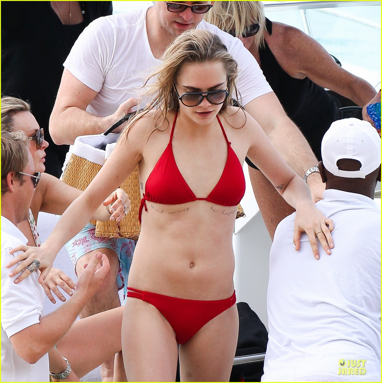 cara delevingne how could i leave barbados 083019107