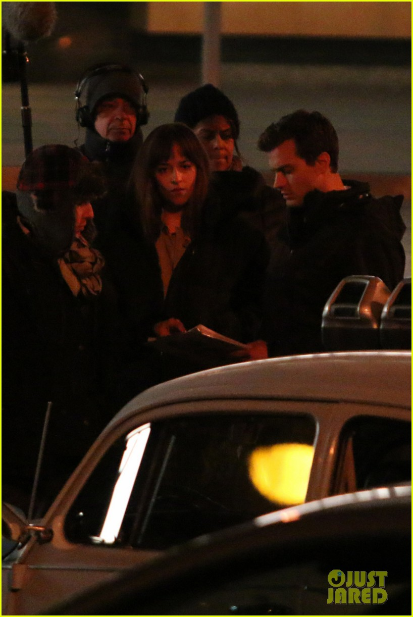 jamie dornan dakota johnson fifty shades of grey night rehearsal 05