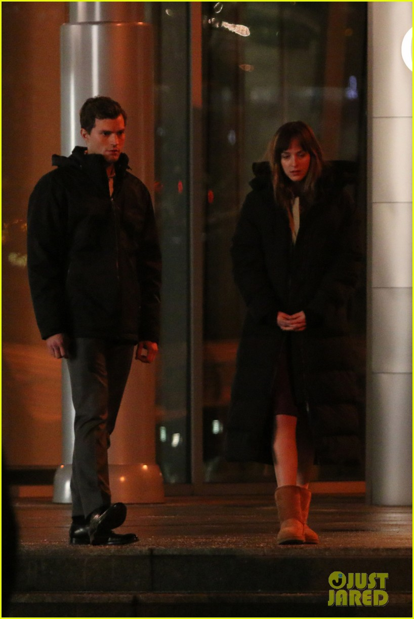 jamie dornan dakota johnson fifty shades of grey night rehearsal 063008143