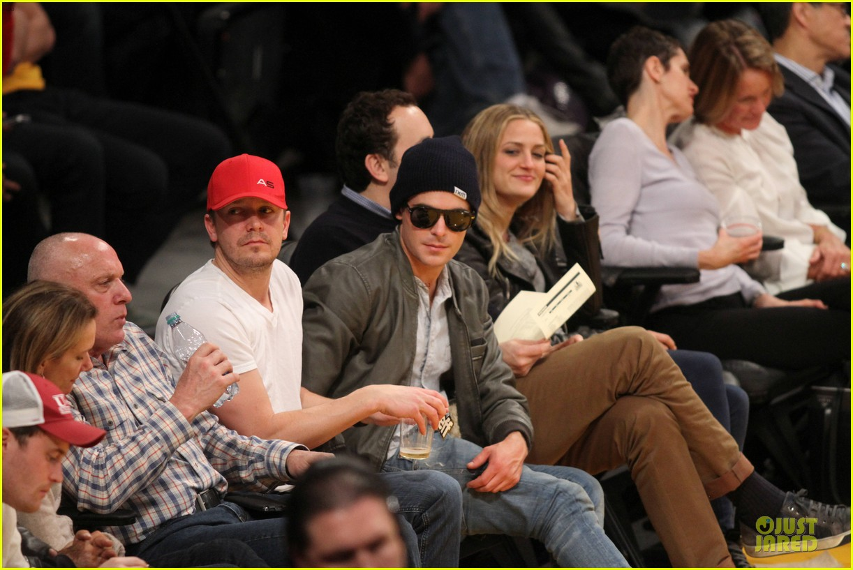 zac efron cheers on lakers for win against timberwolves 053015763