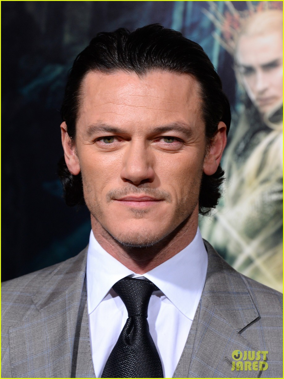luke evans richard armitage desolation of smaug premiere 06