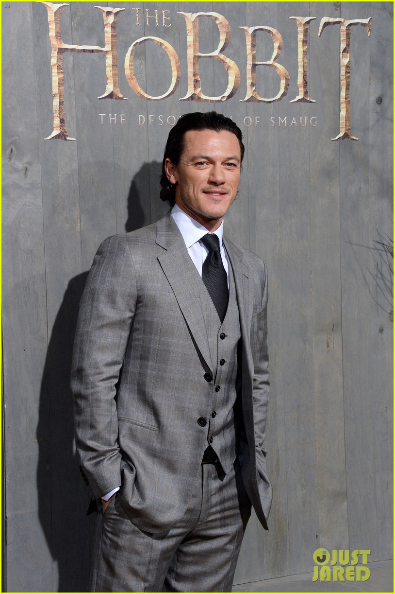 luke evans richard armitage desolation of smaug premiere 113003915