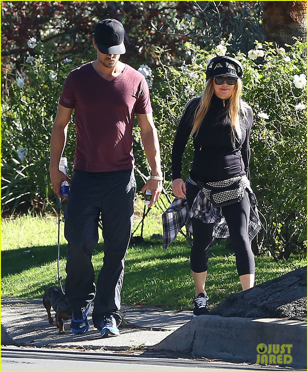 fergie josh duhamel dog walking duo 04