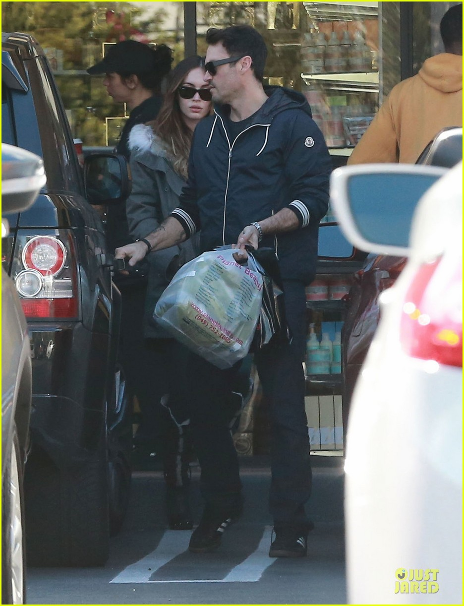 megan fox brian austin green planet beauty shopping pair 073007123
