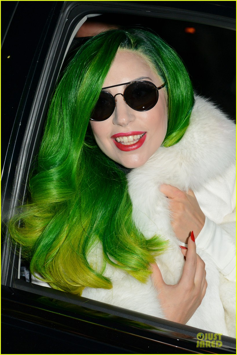 lady gaga set to perform on the voice finale 043011838