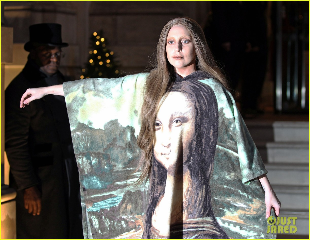 lady gaga displays mona lisa dress in london 043004961