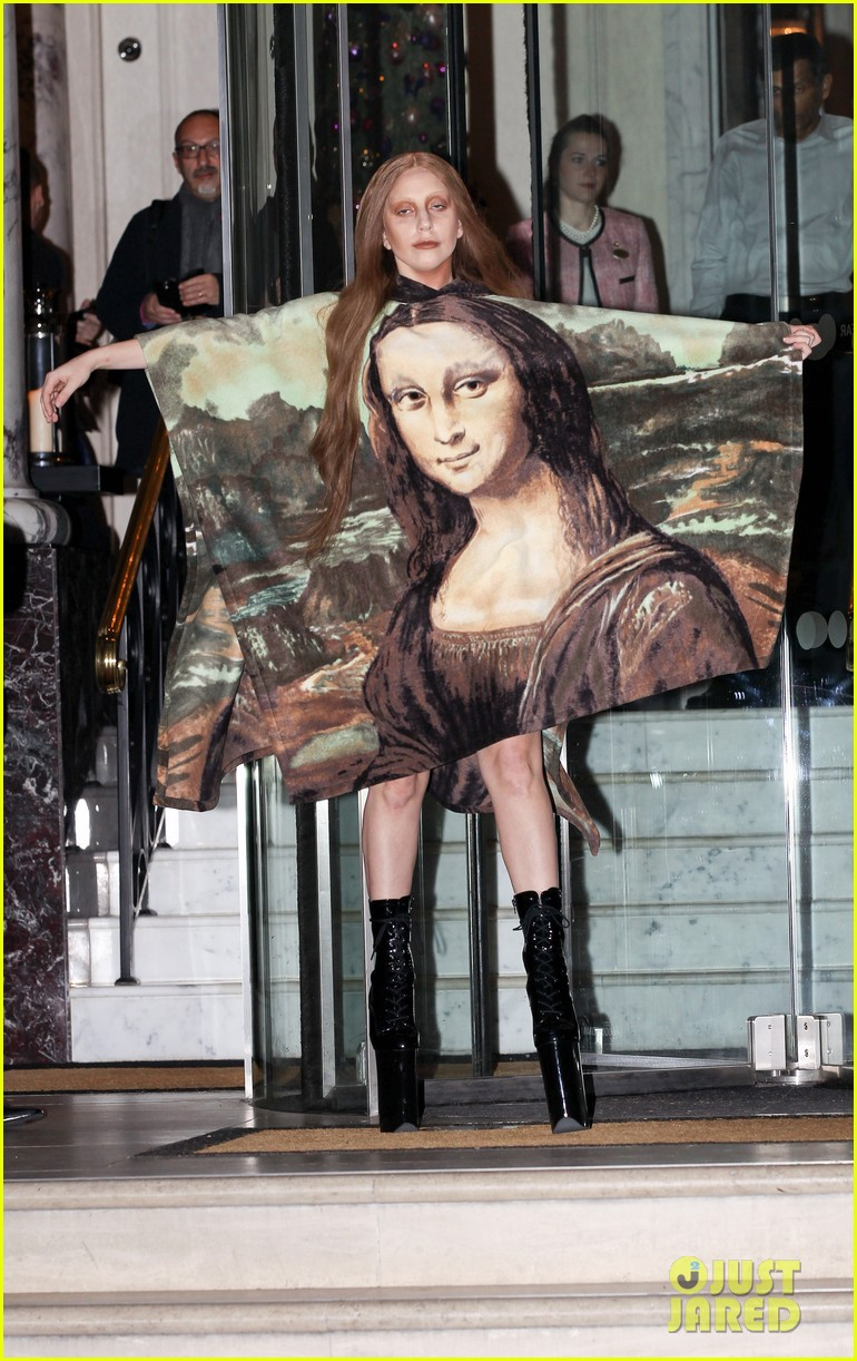 lady gaga displays mona lisa dress in london 06