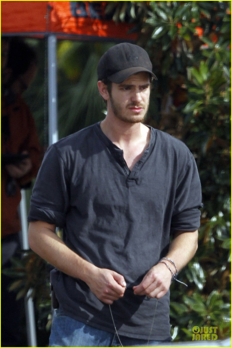 andrew garfield 99 homes set with michael shannon 063004434
