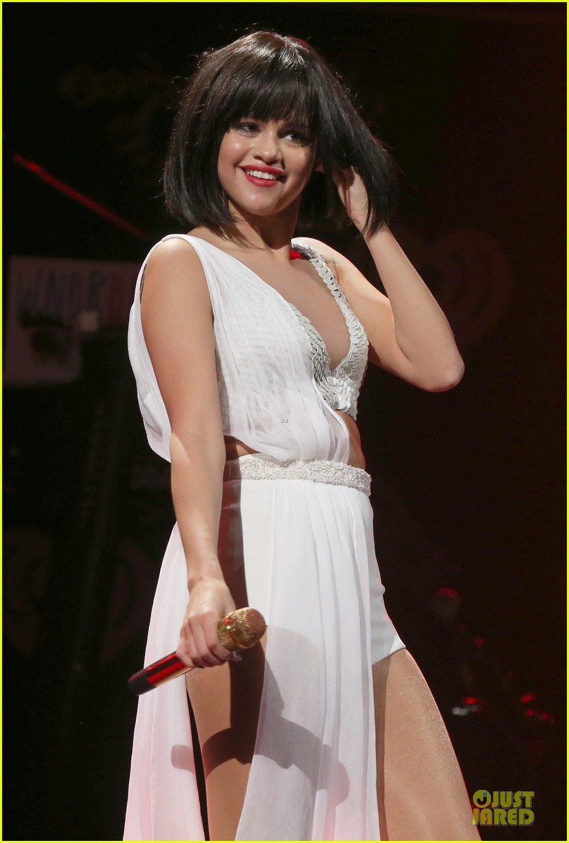 selena gomez sports wig for 1061 kiss fm jingle ball 233003961
