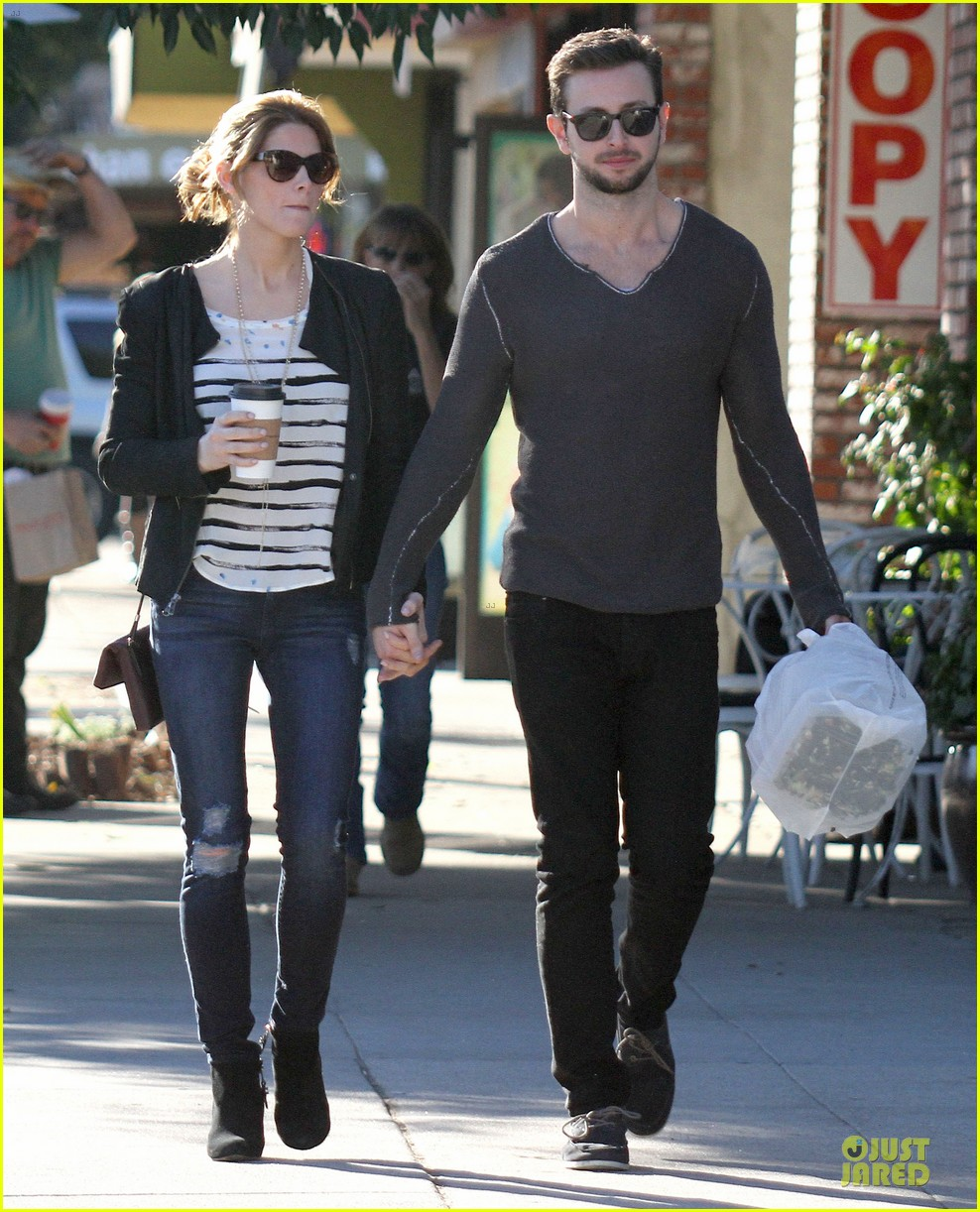 ashley greene paul khoury romancing the bean date 25