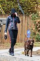 anne hathaway rainy walk with esmeralda 08