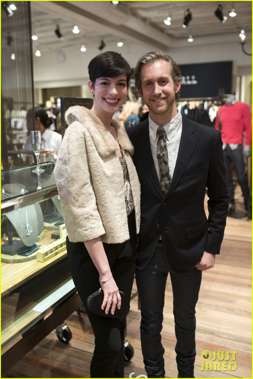 anne hathaway is a supportive wife at husband adam shulmans jewelry launch 033010773