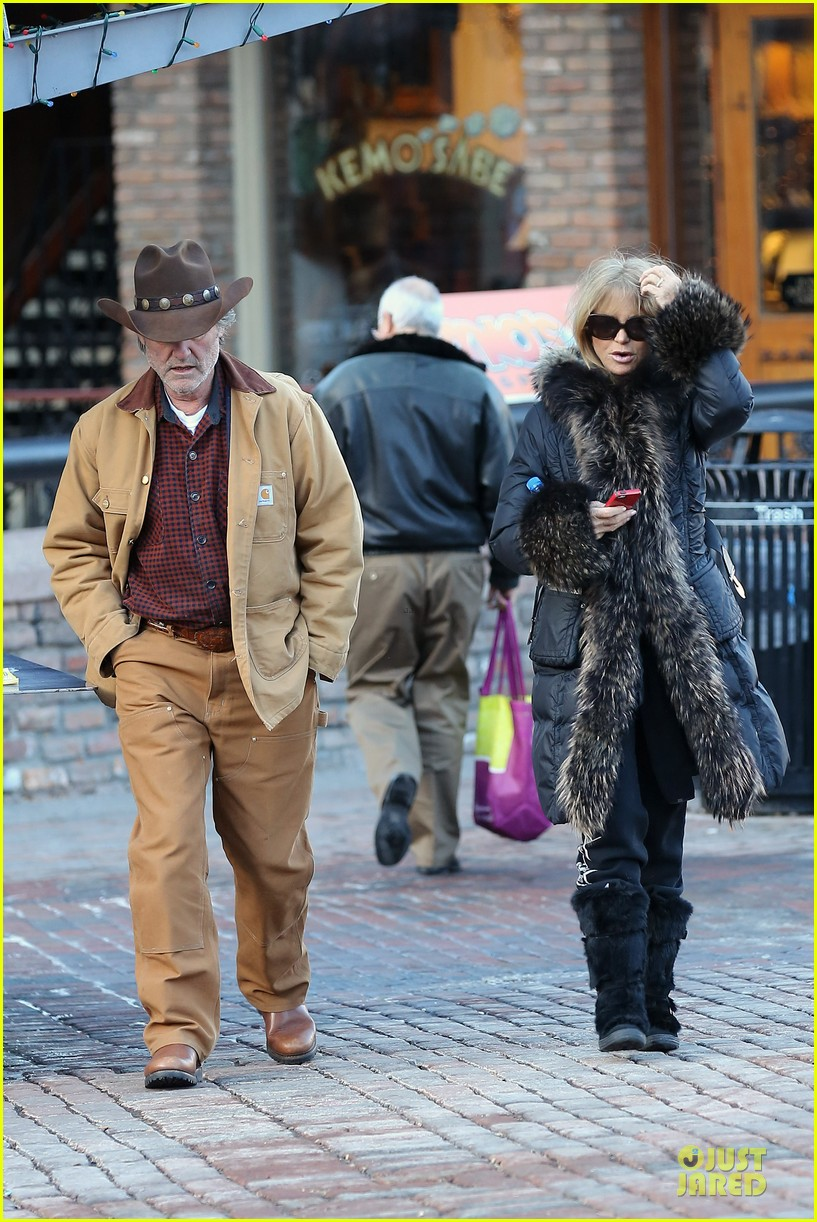 goldie hawn kurt russell aspen chat with melanie griffith 113017506