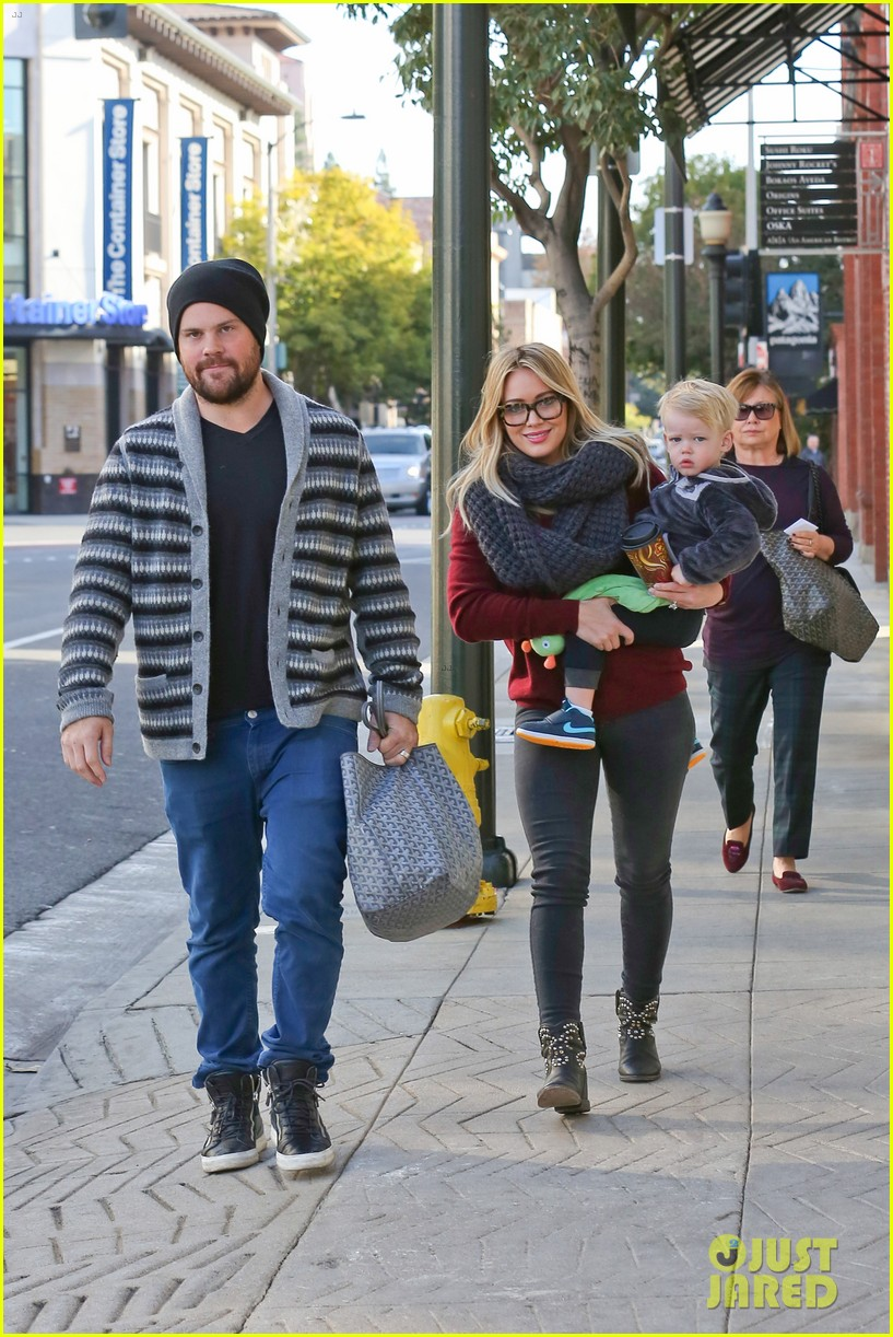 hilary duff busy weekend with her boys 30