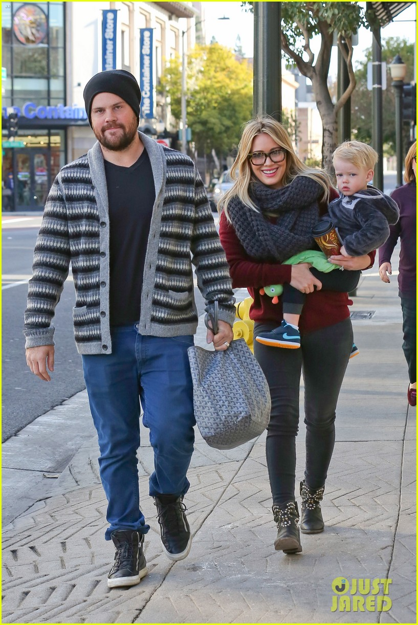 hilary duff busy weekend with her boys 323007820