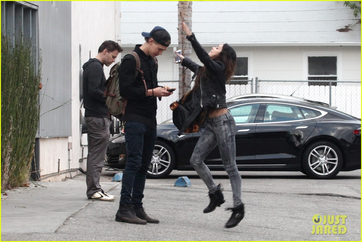 vanessa hudgens dance take silly selfies in a parking lot 163014657