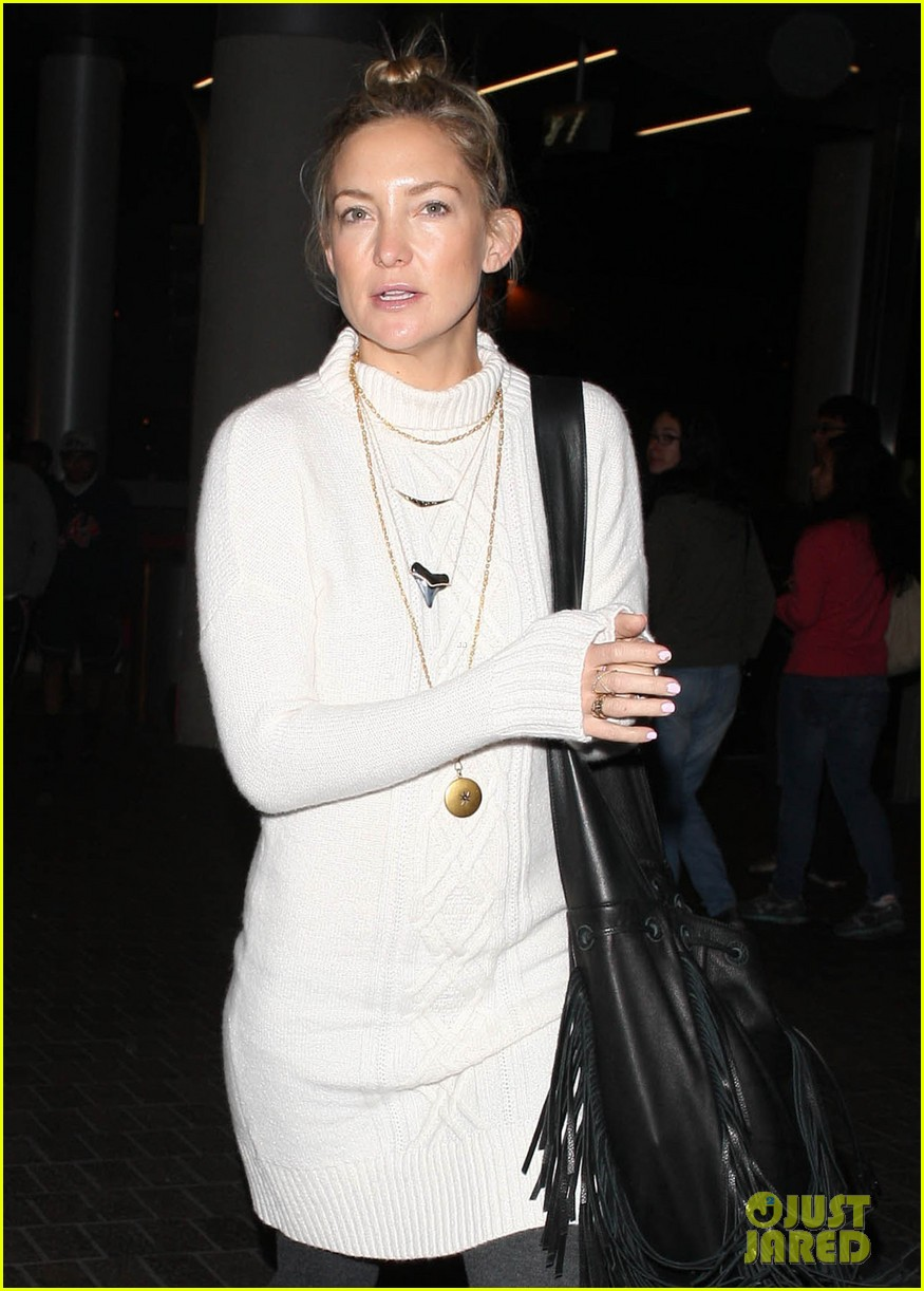 kate hudson makeup free at lax 173014191