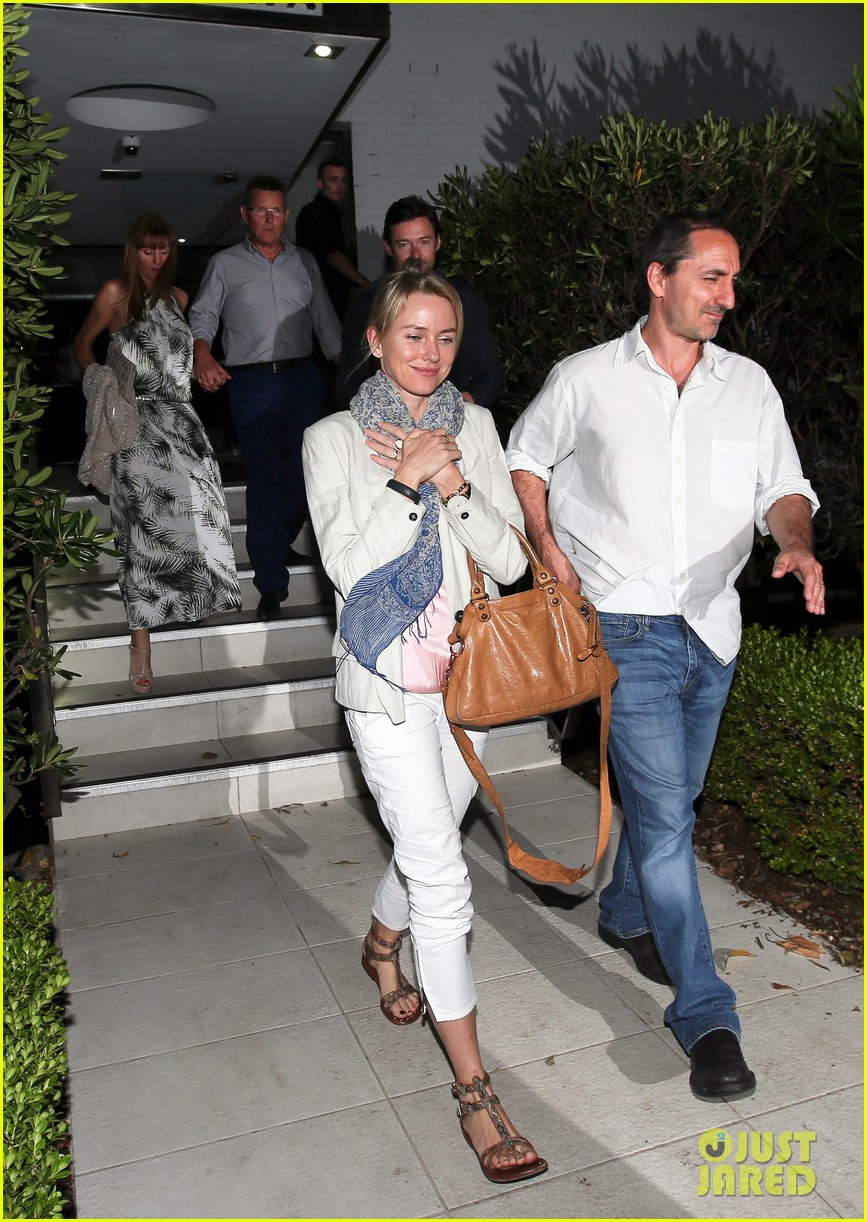 hugh jackman naomi watts their spouses enjoy dinner together in sydney 04