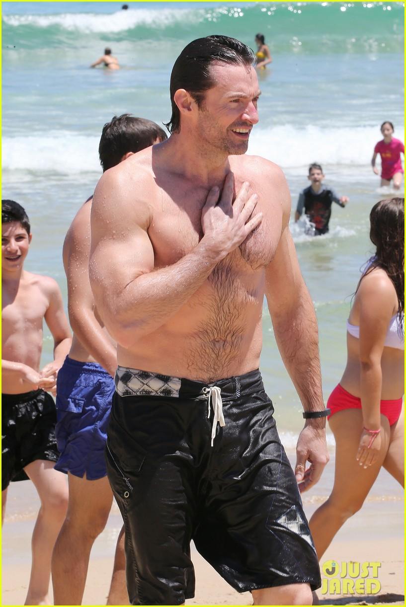 hugh jackman shirtless swim in sydney 04