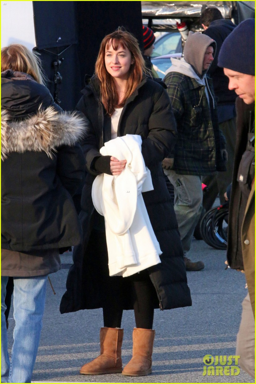dakota johnson bundles up after filming fifty shades scene  01