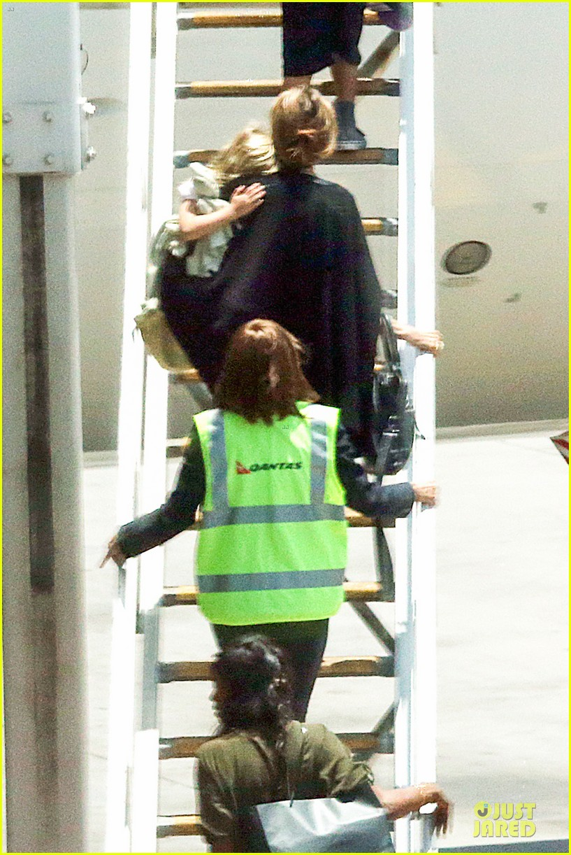 angelina jolie sydney holiday departure with the kids 083015755