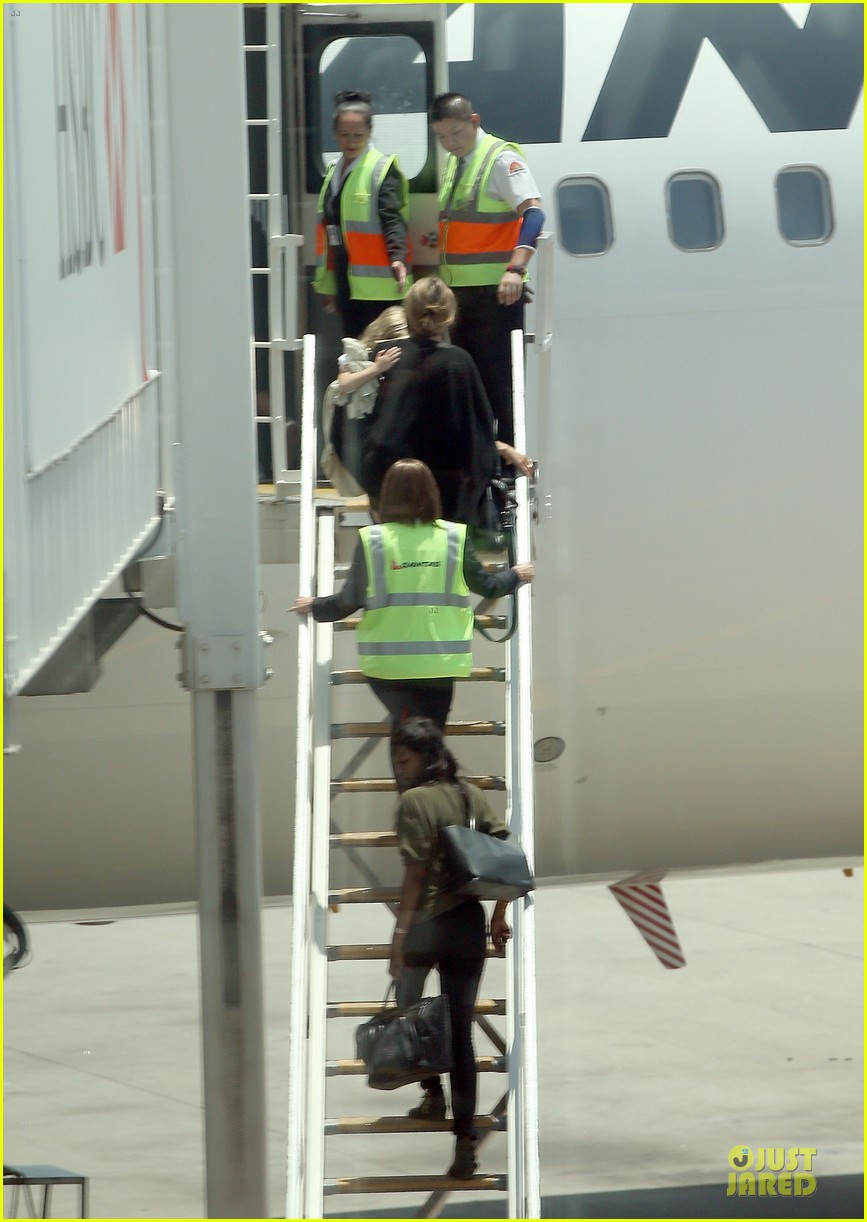 angelina jolie sydney holiday departure with the kids 11