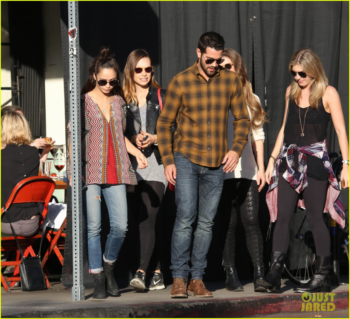 joe jonas jesse metcalfe lunch with their gals 05