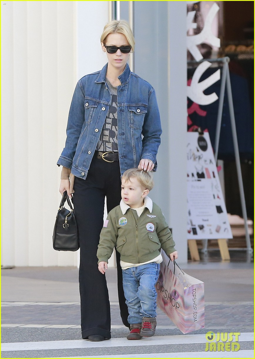 january jones takes xander to meet santa claus 173007070