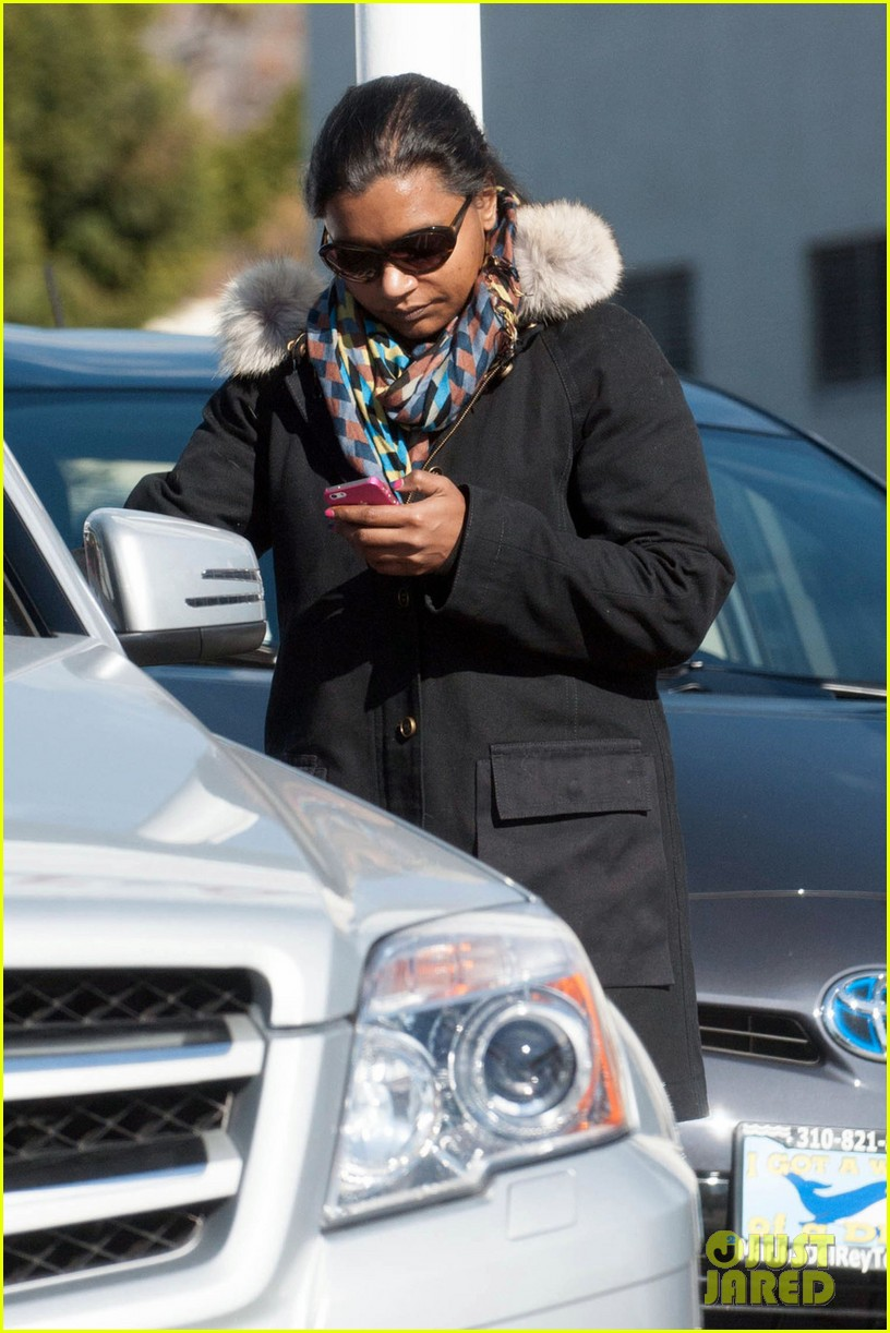 mindy kaling headed to new york for christmastime 043011271
