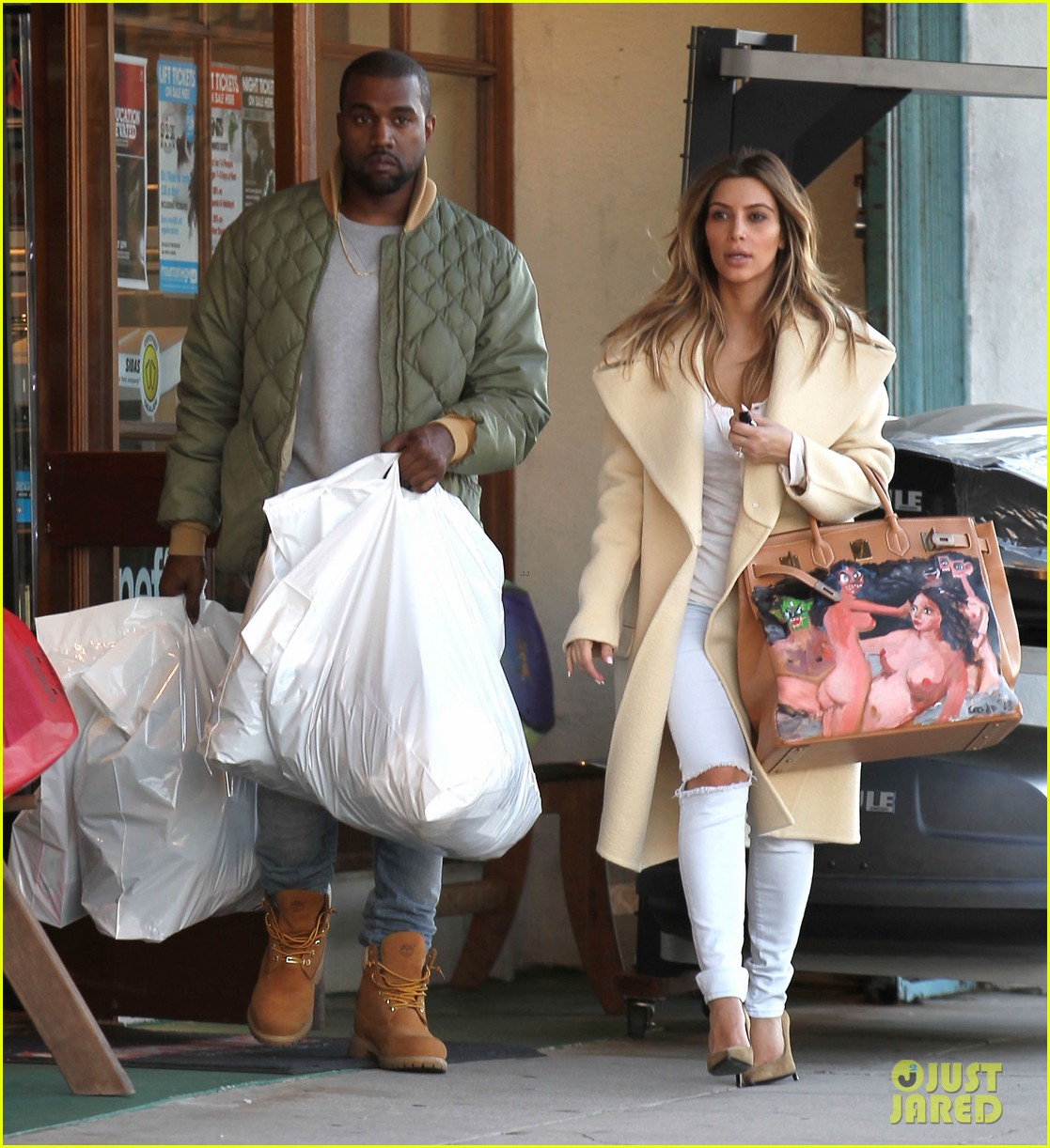 kim kardashian shows off christmas present from kanye west 06