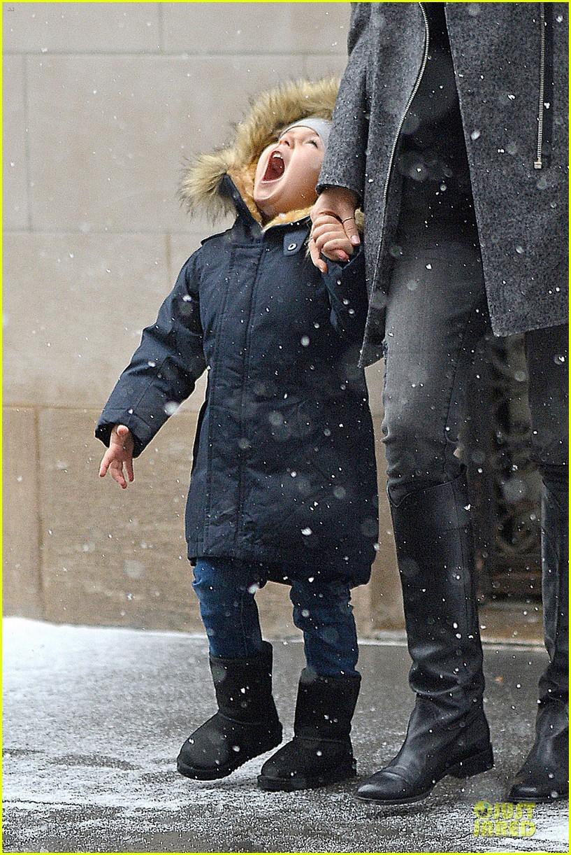 miranda kerr flynn snowy winter wonderland 08