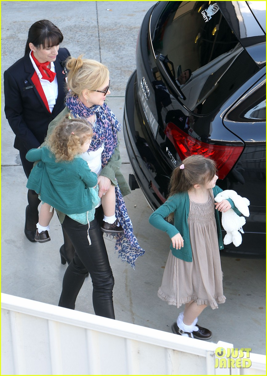 nicole kidman australia arrival with faith sunday 12