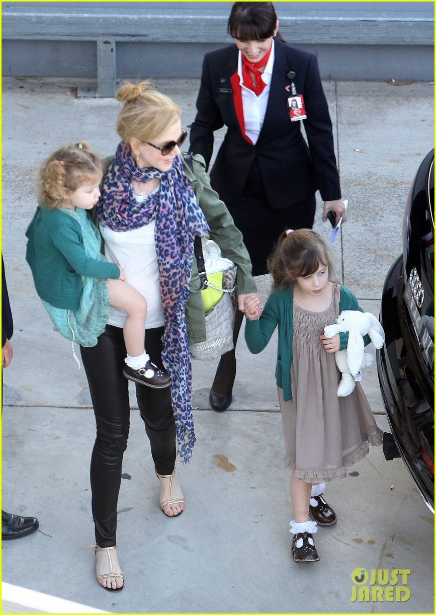 nicole kidman australia arrival with faith sunday 20