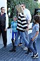 heidi klum post thanksgiving lunch with the kids 07