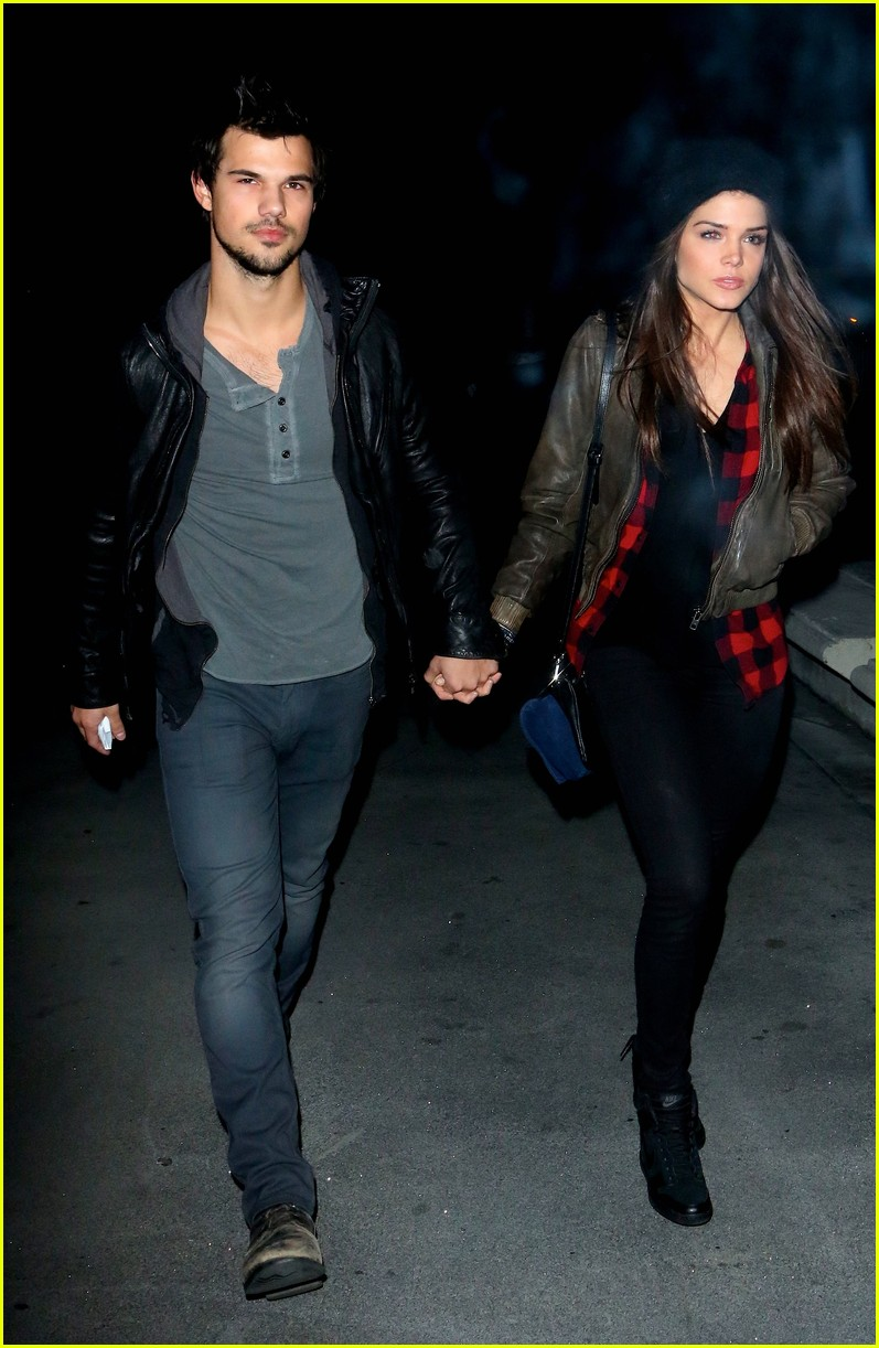 taylor lautner marie avgeropoulos jay z concert goers 043008793
