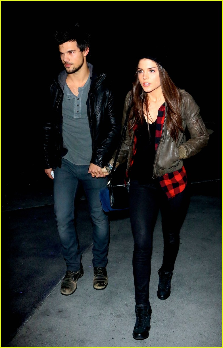 taylor lautner marie avgeropoulos jay z concert goers 08