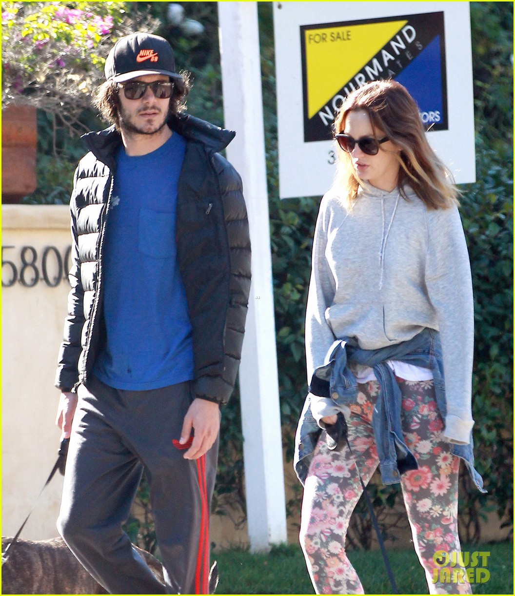 leighton meester adam brody morning dog walk 03