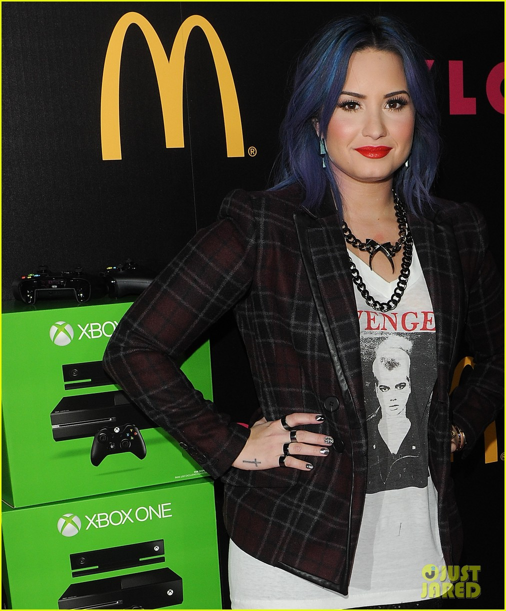 demi lovato mustachioed joe jonas nylon magazine party 113006022